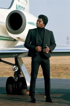 James Brown, 1967, by Jean-Marie Perier.  Uber cool Love to see it in mono