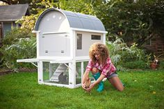 DIY how to build a chicken coop for the urban farmer! project this summer.