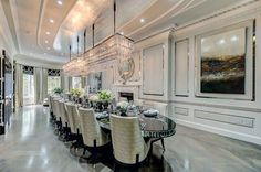 Stylish Ways to Decorate extra large dining room chandelier tips for 2019 Large Dining Room Table, Dining Room Design, Dining Rooms, Luxury Homes Interior, Interior Design, Luxury Dining Room, Elegant Dining, Luxurious Bedrooms, Luxury Real Estate
