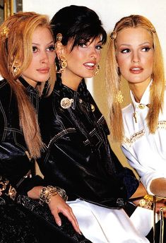 Christy Turlington, Linda Evangelista and Karen Mulder - Gianni Versace 1992 90s Fashion, Couture Fashion, Fashion Models, Fashion Brands, 1990s Supermodels, Original Supermodels, Linda Evangelista, Gianni Versace, 1990 Style