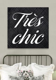 Oliver Gal & Co. Tres Chic Canvas Print