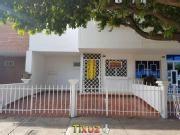Casa Alcala Cucuta Buen Sector Pergola, Deck, Outdoor Structures, Patio, Outdoor Decor, Home Decor, Hair Style, Quartos, Flats