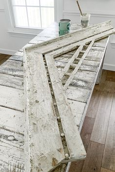 How To Get A Weather Worn Textured Chippy Paint Finish Using Saltwash! Farmhouse Design, Farmhouse Decor, Farmhouse Ideas, Farmhouse Style, Salvaged Decor, Antique Paint, Antique Decor, Shabby, Architectural Antiques