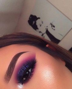 #EyeMakeupOrange #EyeMakeupBlue Bold Makeup Looks, Beautiful Eye Makeup, Colorful Eye Makeup, Flawless Makeup, Cute Makeup, Glam Makeup, Pretty Makeup, Skin Makeup, Eyeshadow Makeup