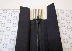 How to add a zipper to the top of a bag -