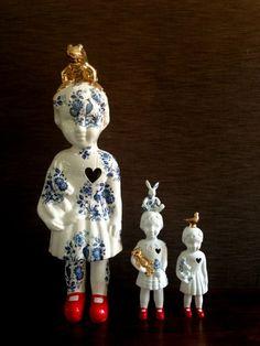Clonette dolls by Lammers en Lammers, two Dutch sisters who make traditional Dutch figures in porcelain. Studio de Winkel. studiodewinkel.nl