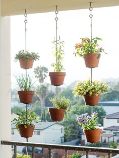 47 Easy and Cheap DIY Vertical Plant Hanger Ideas - Homeflish Hanging Planters Outdoor, Hanging Pots, Indoor Outdoor, Outdoor Ideas, Balcony Hanging Plants, Hanging Gardens, Hanging Flowers, Plants Indoor, Patio Ideas