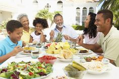 7 Reasons To Make Time For Family Dinners