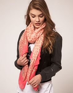 Neon scarf. Need this in my life! M Xx