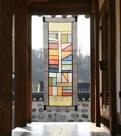 Modernized traditional Korean Fabric art and décor by designmeem Korean Crafts, Patchwork Curtains, Korean Design, Korean Art, Korean Traditional, Patterns In Nature, Textile Artists, Fabric Art, Decoration