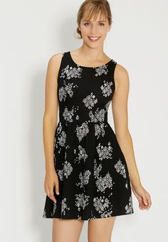 patterned dress in textured fabric with strappy back - so comfy