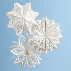 Create an instantly festive atmosphere with these beautiful paper snowflakes! Hang them from ceilings, chandeliers, and banisters or use as wall art, perfect for an elegant backdrop. Incldues three as