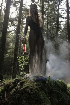 Witch aesthetic, dark mori and strega fashion Wicca, Magick, Images Esthétiques, Elfa, Witch Craft, Witch Aesthetic, Aesthetic Dark, Halloween Photos, Witch Photos