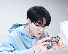 "Hwang Yeji & Lee Jeno ""When I need you, do you need me?"" ""Yes,… # Fiksi penggemar # amreading # books # wattpad Winwin, Kpop, Jeno Nct, Na Jaemin, Boyfriend Material, Jaehyun, Nct Dream, Nct 127, Wattpad"