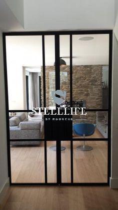Bekijk de foto van stalen-deuren met als titel Stalen deuren met glas en andere inspirerende plaatjes op Welke.nl. Steel Windows, Steel Doors, Windows And Doors, Arch Interior, Interior And Exterior, Minimalist Decor, Exterior Doors, Door Design, Steel Frame