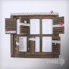 """Platzanweiser """"Fensterladen""""  Der Fensterladen ist ein Holzrahmen mit 6x kleinen Fensteröffnungen die Du mit Deinen Sitzplänen beschriften kannst."""