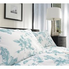 Best Bedding Sets For Couples Best Bedding Sets, Bedding Sets Online, Luxury Bedding Sets, Neutral Bed Linen, Pottery Barn Teen Bedding, French Bed, Bed Linen Design, Luxury Bedding Collections, Bed Linen Sets