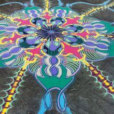 Still going    Follow me on Facebook http://www.facebook.com/joe.mangrum.art When sharing please include my links Ⓒ 1994-2014 Joe Mangrum http://www.joemangrum.com #sandart #sandpainting #NYC @joemangrum #colorful #art #streetart #art #streetlife