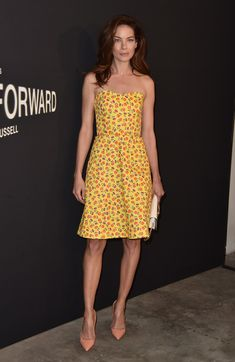 Michelle Monaghan Strapless Dress - Michelle Monaghan brought a summer vibe to the LA premiere of 'Past Forward' with this floral strapless dress by Prada. Michelle Monaghan, Semi Casual Dresses, Prada, Girl Celebrities, Celebs, Red Carpet Dresses, Elegant Woman, Red Carpet Fashion, Beauty