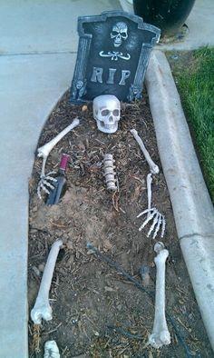 HALLOWEEN DECORATIONS / IDEAS & INSPIRATIONS: Halloween Outdoor Decorations - CotCozy
