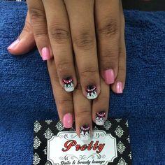 Clienta feliz con su manicure.  Visitanos en Cra 58 # 68 - 157 o aparta tu cita llamando al 3605687 o por Whatsapp al 3015229787.  #Prettynailslounge #nail #nails #polish #nailart #nailpolish #nailspolish #nailsaddict #uñas #nailartpromote #fashion #manicure #manicura #barranquilla by prettynailslounge