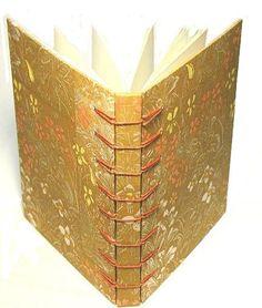 The Secret Belgian Binding Tutorial from Hollanders Handmade Journals, Handmade Books, Book Crafts, Paper Crafts, 7 Arts, Bookbinding Tutorial, Paper Book, Mini Scrapbook Albums, Book Binding