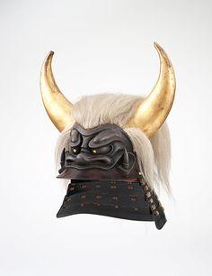 Elaborately shaped samurai helmet (kawari kabuto); Early to mid-Edo period, 17th–18th century; Iron, wood, lacquer, silver, yak hair, lacing © The Ann & Gabriel Barbier-Mueller Museum, Dallas
