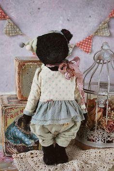 Michele : OOAK Vintage Style Sweet Artist Teddy Bear by