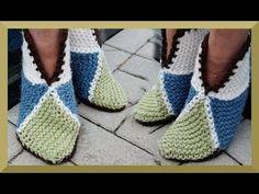 HAUSSCHUHE STRICKEN ANLEITUNG FÜR ANFÄNGER EINFACH - HÄKELN UND STRICKEN - YouTube Easy Knitting, Loom Knitting, Knitting Socks, Knitted Bags, Knitted Blankets, Big Knit Blanket, Fabric Gift Bags, Big Knits, String Bag