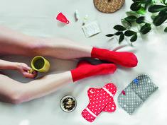 Nachhaltige Monatshygiene, Perioden-Gerechtigkeit, Wissenslückenbehebung – die erdbeerwoche bietet Plattform, Shop und Information, um die positive Haltung von Mädchen und Frauen zum Thema Zyklus zu fördern. In diesem Beitrag findest du alle Infos zu erbeerwoche.at und bekommst einen ersten Einblick in die Initiative der GründerInnen. * * * #im7ten #neubau #tabuthema #menstruation #zyklus #monatshygiene #wien #menstruationscup #umweltfreundlich #nachhaltig Foto ©: erdbeerwoche Bio Tampons, Tabu, Blog, Style, Platform, New Construction, Strawberries, Swag, Blogging