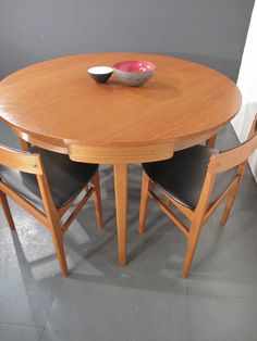 Vintage Nathan Dining Table & Chairs .danish.retro .eames G Plan Frem Rojle