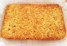 Looking for a healthy version of Honey Almond Slice? This fresh new take on a classic favourite is absolutely delicious! Chocolate Coconut Slice, Chocolate Caramel Slice, Almond Recipes, Baking Recipes, Dessert Recipes, Desserts, Honey Almonds, Sliced Almonds, Date And Walnut Loaf