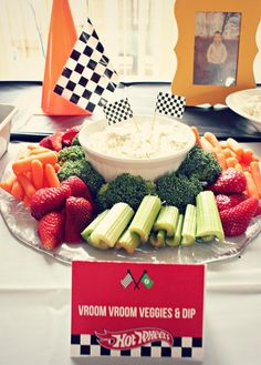 We Heart Parties: Hot Wheels Birthday Party More.like the table runner w/cones and checkered flags Hot Wheels Birthday, Race Car Birthday, Monster Truck Birthday, Cars Birthday Parties, 5th Birthday, Birthday Ideas, Transportation Birthday, Nascar Party, Race Car Party