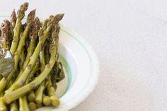Pickled asparagus recipe, Bite – A great accompaniment to glazed ham - Eat Well (formerly Bite) Pickled Asparagus, Asparagus Recipe, Vegan Gluten Free, Vegan Vegetarian, Tarragon Vinegar, Kaffir Lime, Fresh Herbs, Food Inspiration, Pickles