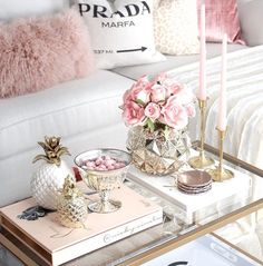 15 Beautiful Homes That Are Sure To Make Your Heart Skip A Beat - J'adore Lexie Couture Glam Living Room, Living Room Decor, Coffee Table Decor Living Room, Romantic Living Room, Coffee Table Tray, Coffee Table Styling, Romantic Home Decor, Living Spaces, Deco Rose