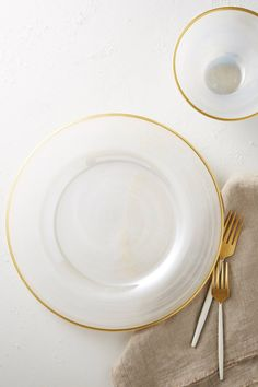 OCCASIONS 10 PACK Pressed Vinyl Metallic Placemats//Charger//Wedding Accent Centerpiece OCCASIONS FINEST PLASTIC TABLEWARE 10, Spring, Gold