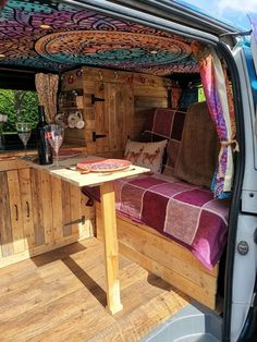 Rory ⋆ Quirky Campers Source by mini_nagel and RV Van Conversion Interior, Camper Van Conversion Diy, Camper Life, Vw Camper, Hippie Camper, Camper Table, Vw Transporter Camper, Bus Life, Volkswagen Bus