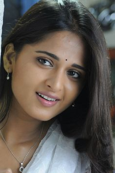 Telugu and Tamil Actress Anushka pictures Excusively Anushka Latest Photos, Anushka Photos, Actress Anushka, Tamil Actress, Beautiful Indian Actress, Beautiful Actresses, Beautiful Models, Simply Beautiful, Nice Lips