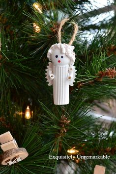 These DIY angel ornaments come together with unlikely materials, like sea glass and yarn, and look absolutely heavenly hanging on your Christmas tree. Take a look at the best angel ornaments right here. Christmas Gifts To Make, Dollar Store Christmas, Diy Christmas Ornaments, Christmas Angels, Holiday Crafts, Christmas Decorations, Christmas Ideas, Holiday Ideas, Christmas Pasta