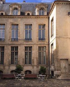 "25 Likes, 3 Comments - Chiara (@kikithelion) on Instagram: ""Cour intérieure parisienne #paris #lemarais #architecture #beautiful #day #strolling #around #city…"""
