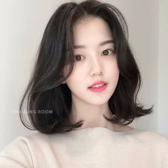 Korean Medium Hair, Medium Fine Hair, Korean Hair Color, Korean Short Hair, Medium Hair Cuts, Short Hair Cuts, Medium Hair Styles, Curly Hair Styles, Girl Short Hair