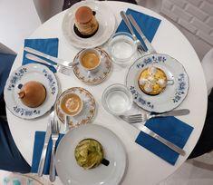 Mousse au chocolat de Pierre Hermé : une recette de chef facile Lyon, Biscuits, Cooking Recipes, Vegan, Toulouse, Tableware, Fondant, Desserts, Food Cakes