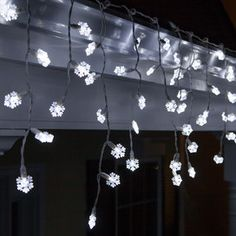 70 Light Snowflake Icicle LED Light