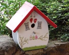 Futterspender & Vogelhäuser | Etsy DE Best Wedding Gifts, Best Gifts, Side Board, Boxes For Sale, Nesting Boxes, House Built, Solid Pine, Made Of Wood, Bird Houses