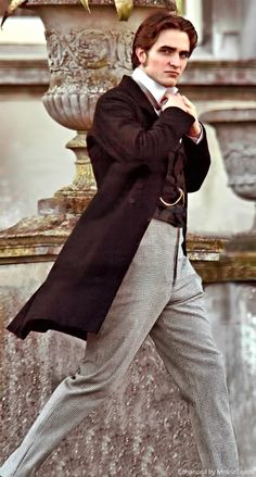 Sexy Beast Rob as Georges DuRoy on the set of Bel Ami, March 15, 2010, I think in Budapest. {MelbieToast edit}