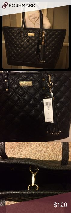 """🆕NWT BCBG black quilt work purse Brand new with tags, BCBG black quilt work purse with fringe detail attachment. Has gold accents & a gold clasp closure. This gorgeous bag has a large zipper pocket on the inside & 2 open slots on the inside & is very spacious! Measurements: shoulder drop 8"""", 20"""" wide, 12"""" high, 5.57"""" deep. Original price $195, reasonable offers warmly welcomed 😊 BCBG Bags Shoulder Bags"""