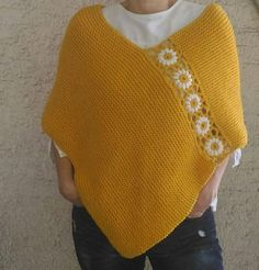 Poncho amarillo mostaza poncho de punto a mano con flores de   Etsy