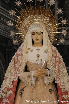 Real Cofradía de Nuestra Señora de los Dolores de Granada Blessed Mother Mary, Blessed Virgin Mary, Religious Icons, Religious Art, Madonna, Images Of Mary, Queen Of Heaven, Mama Mary, Our Lady Of Sorrows