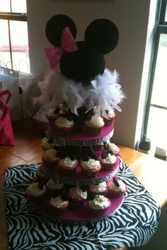 Minnie Mouse cupcake stand <3
