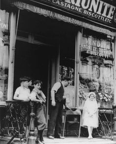 Children at an Italian Grocery on the Lower East Side (NYC) c.1935; Photograph by Arnold Eagle; Photo courtesy of Lower East Side Tenement Museum Archives